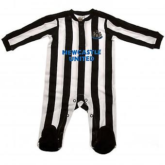 Newcastle United Sleepsuit 12/18 mths ST
