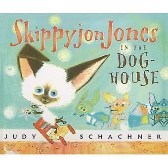 Skippyjon Jones en la caseta del perro