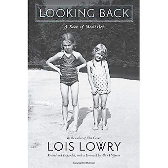 Regardant en arrière: Un livre de souvenirs