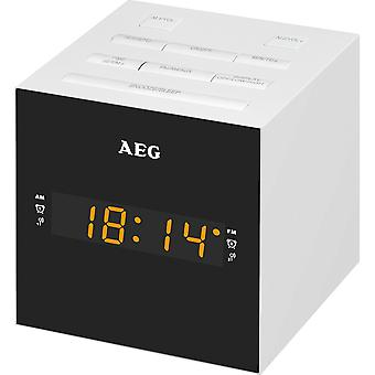 AEG Clock Radio with USB for charging mobile MRC 4150 white