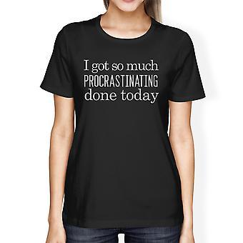 المماطلة في عمله اليوم القميص النسائي الرسم لطيف للمدرسة