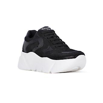 Voile blanche black monster shoes