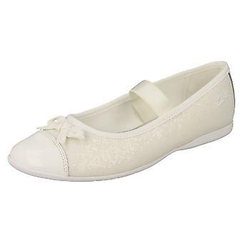Обувь Clarks девушки танцуют блеск
