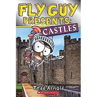 Fly Guy Presents - Castles by Tedd Arnold - 9780545917384 Book