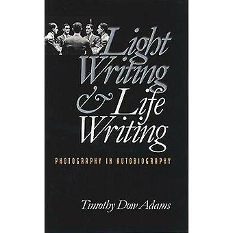 Luce di scrittura e fotografia di scrittura di vita nella autobiografia di Adams & Timothy Dow