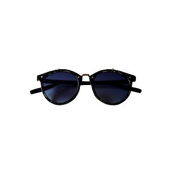 Vintage urban style sunglasses with blue glass