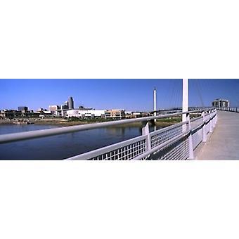 Ponte che attraversa un fiume Bob Kerrey pedonale ponte fiume Missouri Omaha Nebraska USA Poster stampa