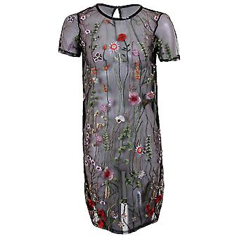 This is a ladies see through straight dress, pair with a black / white cami bodycon slip to complete the look. Available in 2 colours and sizes UK 8-14.
