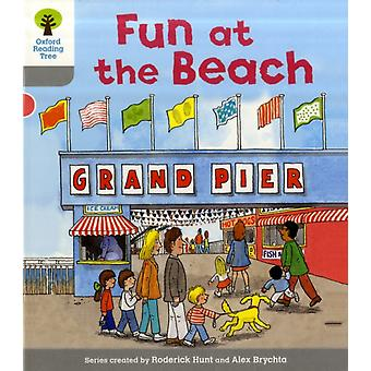 Oxford Reading Tree: Level 1: First Words: Fun at the Beach (Ort First Words) (Paperback) by Hunt Roderick Page Thelma