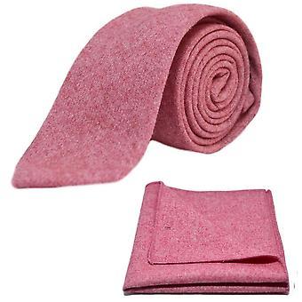 Corbata roja stonewashed y conjunto Plaza de bolsillo