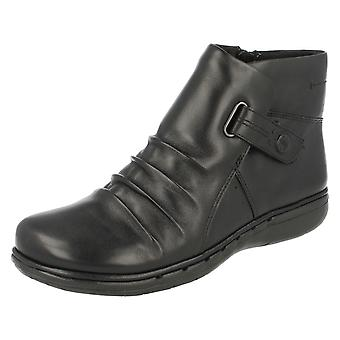 Ladies Clarks Unstructured Boots Un Arlyn