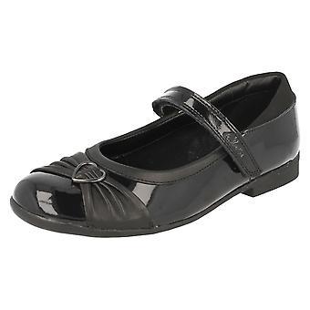 Dziewczyn Clarks obuwie formalne/Szkoła Dolly serca