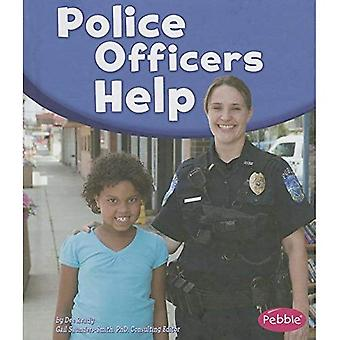 Police Officers Help (Pebble Books: Our Community Helpers)