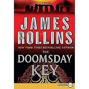 The Doomsday Key (Sigma Force Novels) [Large Print]