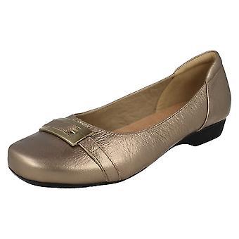 Ladies Clarks Smart Slip skor Blanche väst