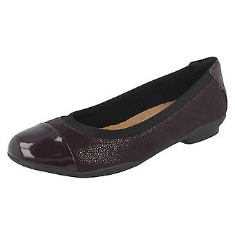 771779b8e505 Ladies Clarks Patent Toe Cap Ballerina Flats Neenah Garden