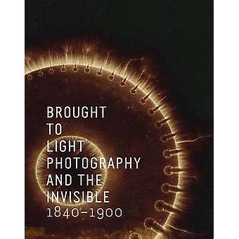 جلبت للضوء--التصوير الفوتوغرافي والخفي-1840-1900 من كوري