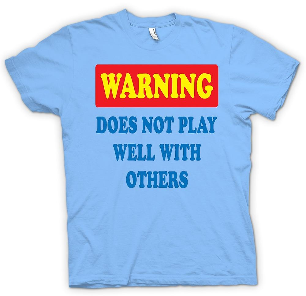 Mens t-skjorte-advarsel spilles ikke godt med andre