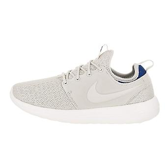 Nike Womens Roshe Two Fabric Low Top Lace Up Fashion Sneakers