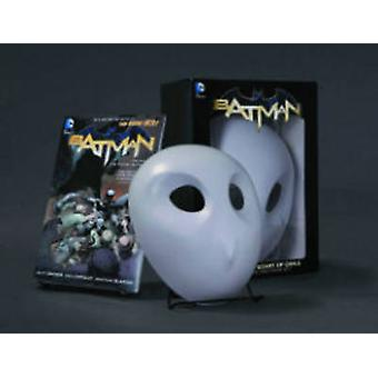 Batman The Court of Owls Mask and Book Set The New 52 by Greg Capullo & Scott Snyder
