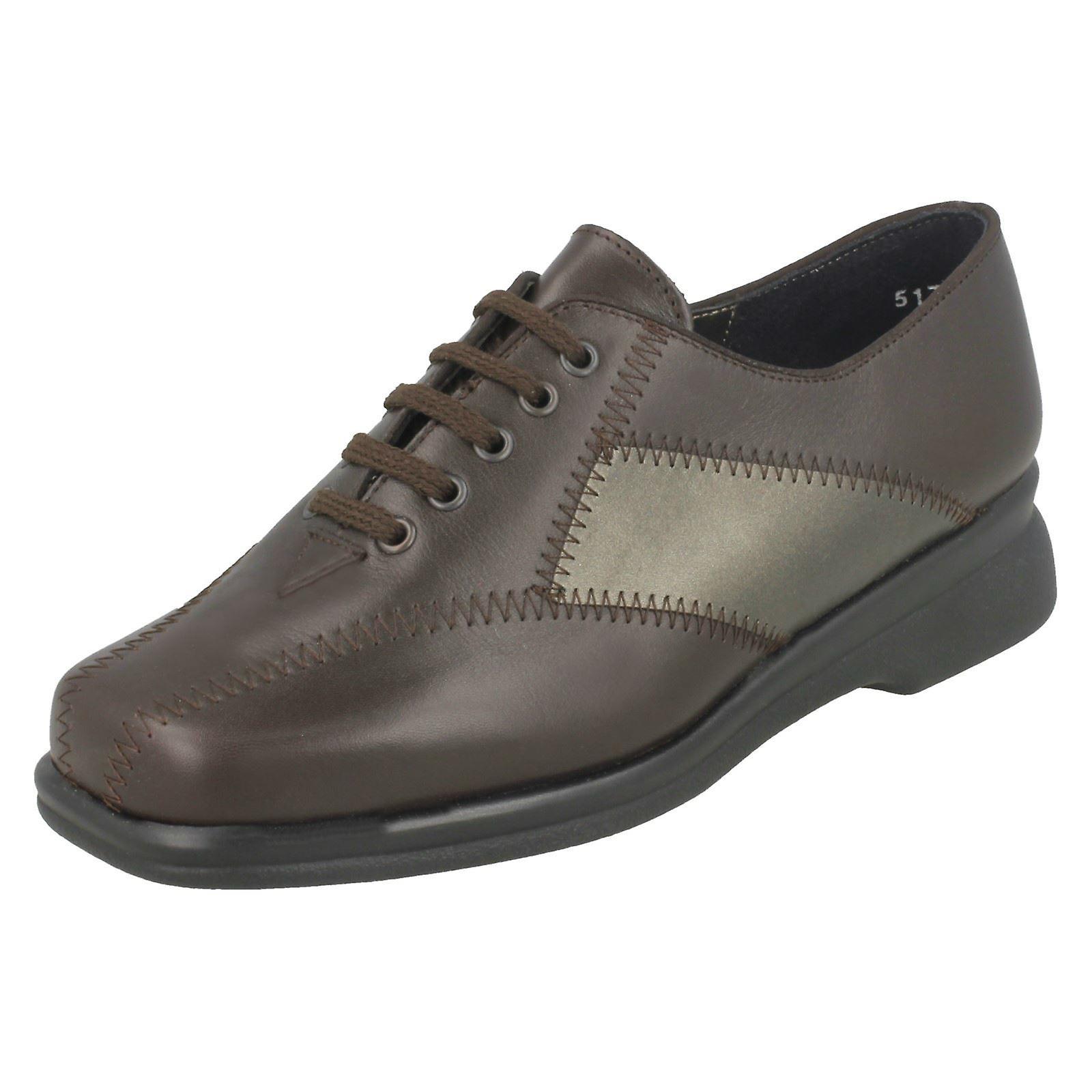 A buon mercato Ladies Equity scarpe formali Bosworth alta qualità