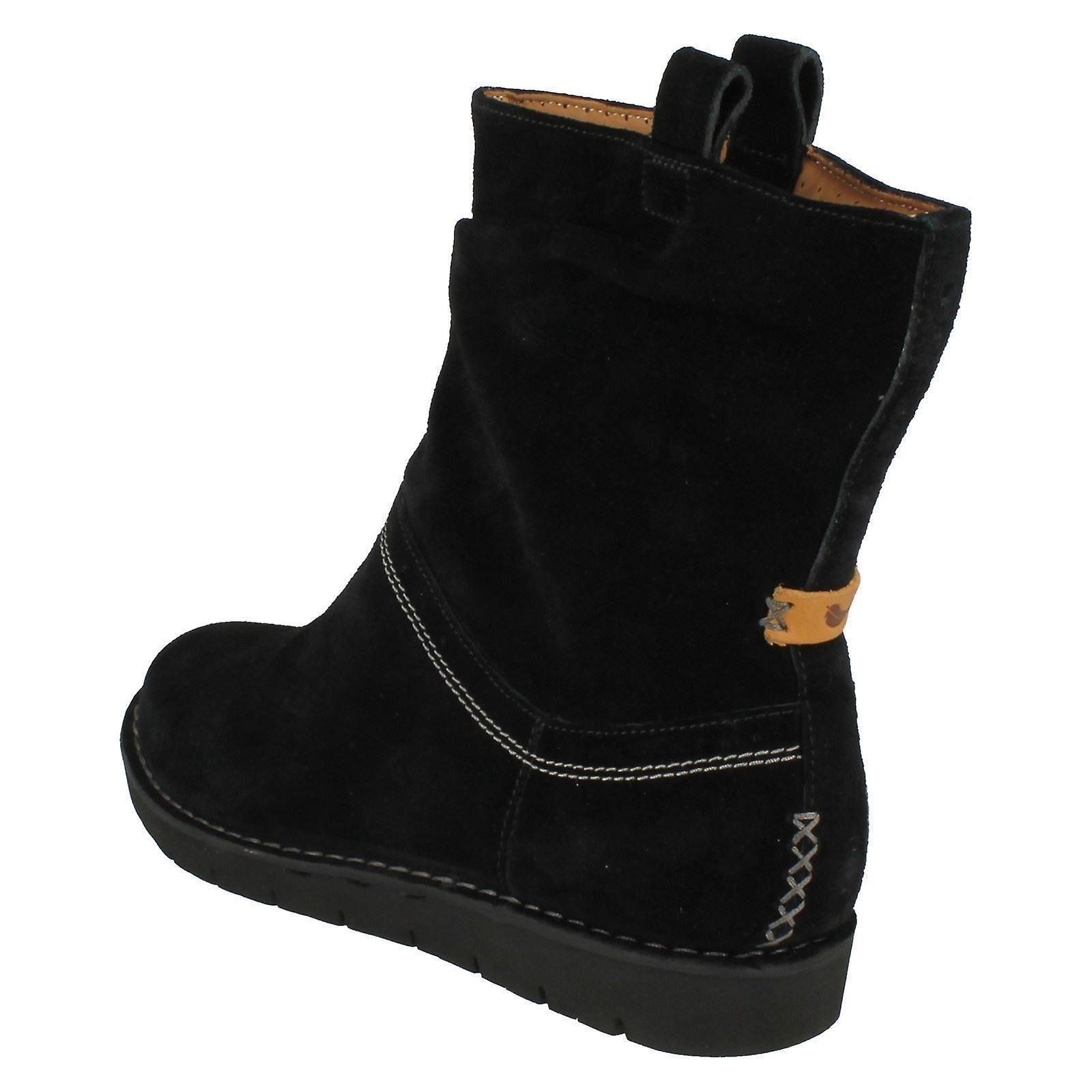 1a94263abbd21 Ladies Clarks Un Structured Slouch Short Boots Un Ashburn | Fruugo