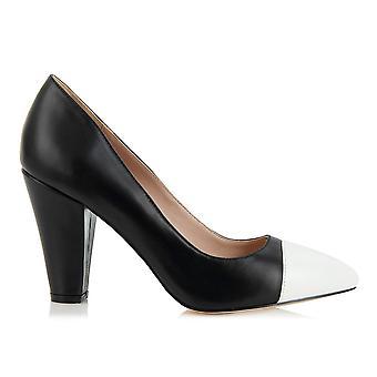 Beaulieu black white shoes