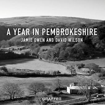 A Year In Pembrokeshire by A Year In Pembrokeshire - 9781912213658 Bo
