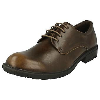 Maverick Low Lace Up Shoe -  Leather