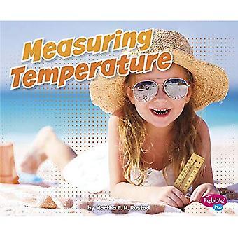 Measuring Temperature (Measuring Masters)