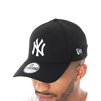 New Era Black-White League Basic 39Thirty New York Yankees Curved Peak Flexfit C
