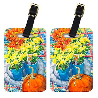 Carolines Treasures  6005BT Pair of 2 Flower - Mums Luggage Tags
