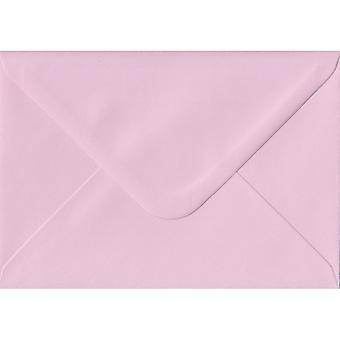 Baby Pink klejem C7/A7 kolorowe różowy koperty. 100GSM papieru trwałego FSC. 82 mm x 113 mm. koperta stylu bankier.