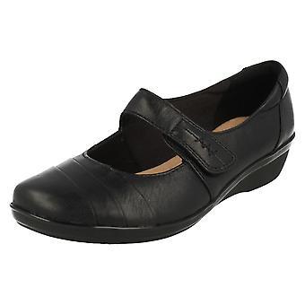 Damen Clarks Kissen weich elegante Schuhe Everlay Kennon