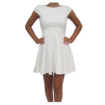 Ex-Lippenstift Frauen weiße Kappe Hülse Skater Kleid mit Taille Detail UK Größe 10