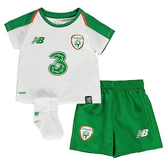 New Balance Kids Irlanda bebé lejos Kit 2018 2019