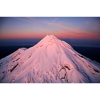 Mountain Alpenglow Taranaki North Island New Zealand plakatutskrift av David vegg