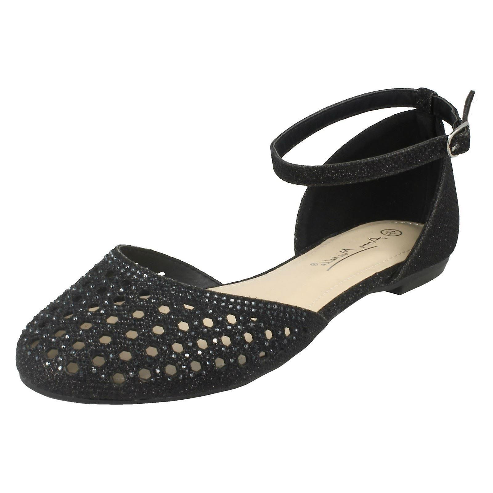 Ladies Anne Michelle Flat Punched Vamp Shoes F80140