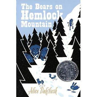 Les ours sur le Mont de la pruche (prêt-pour-chapitres)