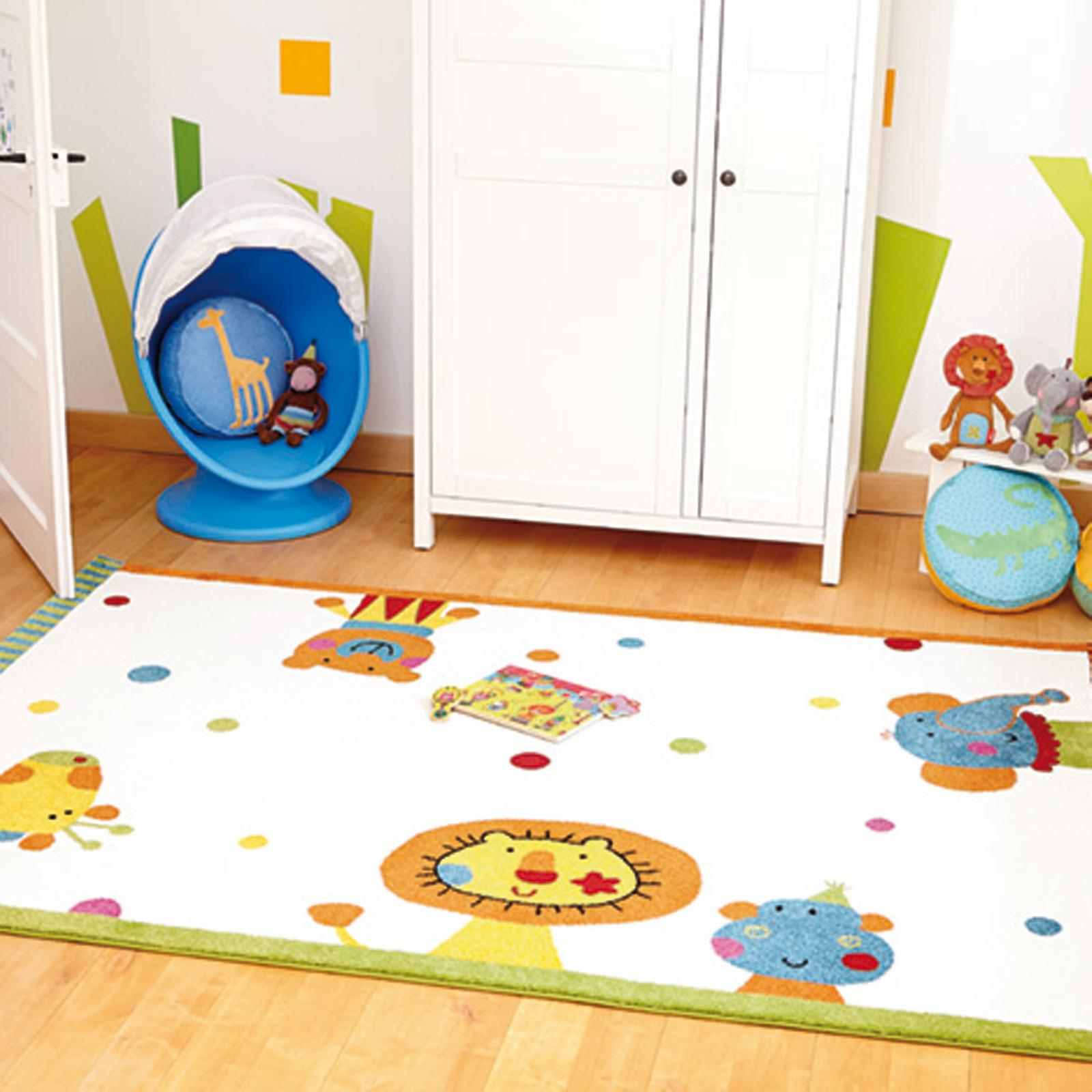 Animal Festival Rug In White 0525 01