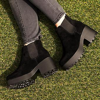 Spylovebuy HELIXA Cleated Sole Platform Chelsea Ankle Boots - Black Suede Style
