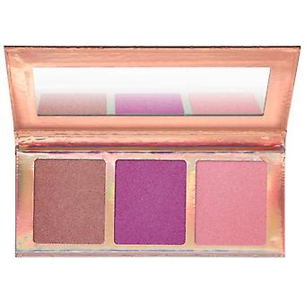 Essence Go For The Glow Illuminating Palette 02