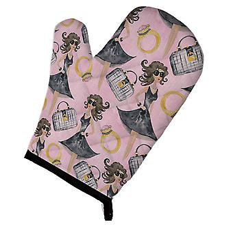 Carolines Treasures  BB7500OVMT Watercolor Fashion Diva on Pink Oven Mitt