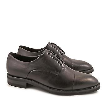Handmade men's oxfords shoes in vintage black calf leather