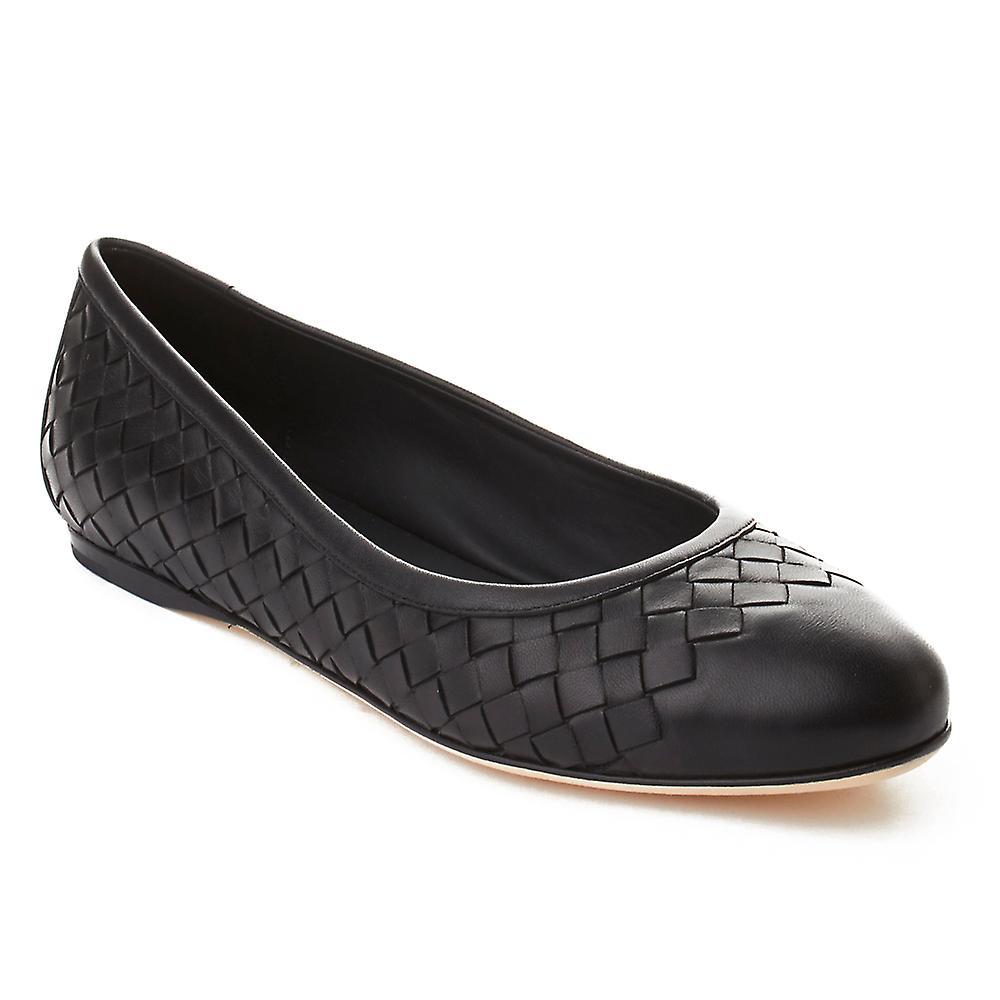 Bottega Veneta Women's Intrecciato Leather Ballerina Flat Shoes Black