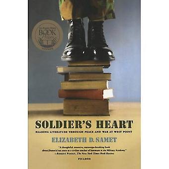 Cœur du soldat: lecture littéraire par le biais de paix et de guerre à West Point