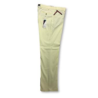 Hiltl Pagani Summer Chic contemporary fit trousers in yellow