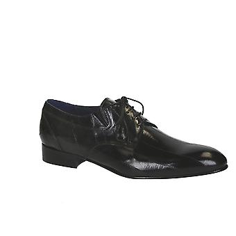 Men's dress shoes in black eel skin leather