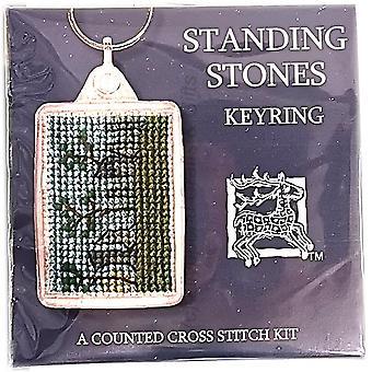 Textiel erfgoed geteld Cross Stitch keyring-staande stenen