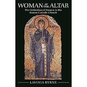 Mujer en el Altar por Byrne y Lavinia
